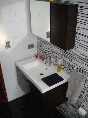 Apartamento Distrito Metropolitano>Caracas>Miranda - Venta:79.901.000.000 Bolivares Fuertes - codigo: 16-5773