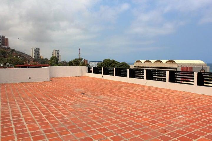 Edificio Vargas>Parroquia Caraballeda>Palmar Este - Venta:69.069.000.000 Bolivares - codigo: 16-5435