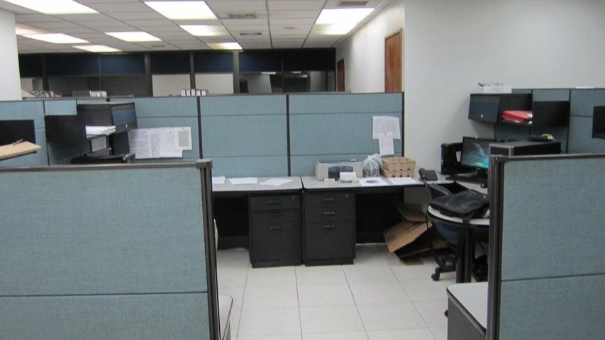 Oficina Distrito Metropolitano>Caracas>La California Norte - Venta:42.300.000.000 Bolivares - codigo: 16-5805