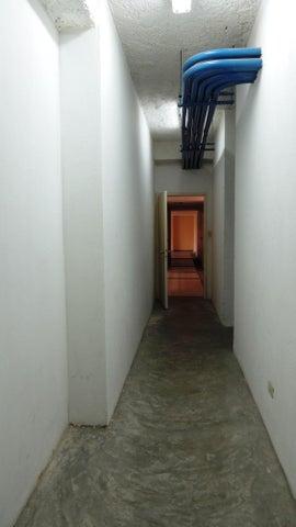 Apartamento Distrito Metropolitano>Caracas>Las Esmeraldas - Venta:158.789.000.000 Precio Referencial - codigo: 16-5841