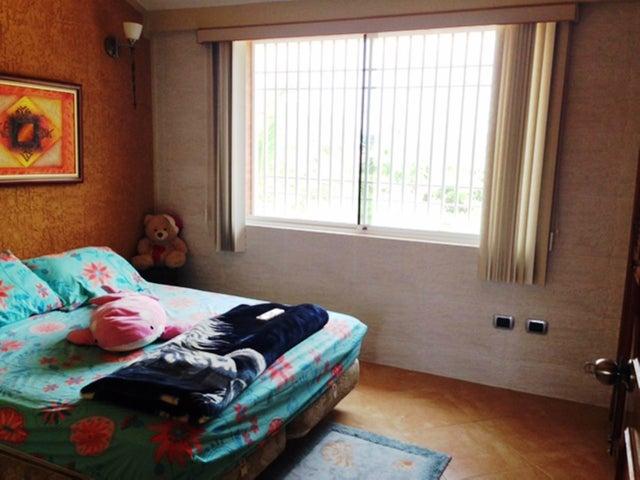 Casa Miranda>Higuerote>Puerto Encantado - Venta:20.369.000.000 Bolivares - codigo: 16-5856
