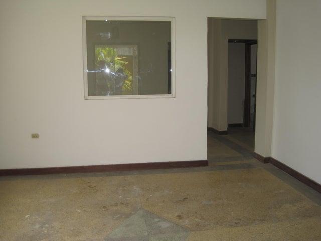 Casa Distrito Metropolitano>Caracas>La Castellana - Venta:94.001.000.000 Bolivares - codigo: 16-5858