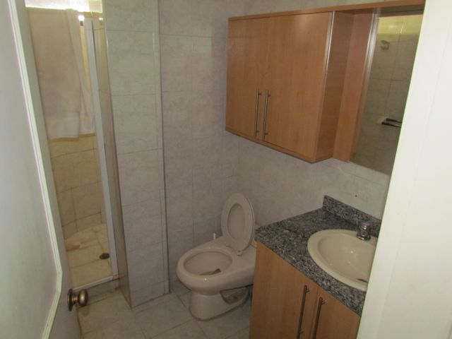 Apartamento Carabobo>Municipio Naguanagua>El Rincon - Venta:120.000.000 Bolivares Fuertes - codigo: 16-5954
