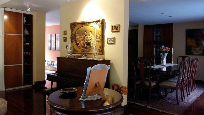 Casa Distrito Metropolitano>Caracas>Los Campitos - Venta:425.776.000.000 Precio Referencial - codigo: 16-5990
