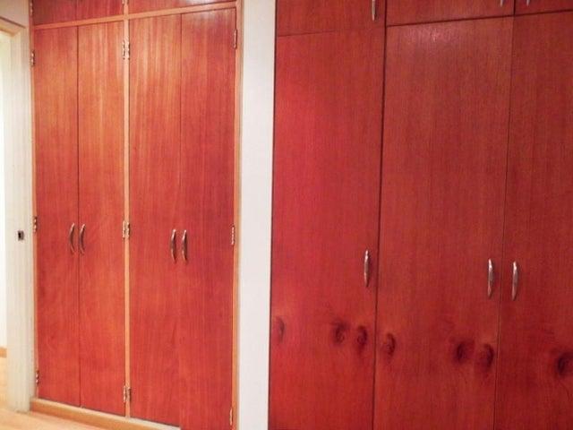 Apartamento Distrito Metropolitano>Caracas>Villa Nueva Hatillo - Venta:91.387.000.000 Precio Referencial - codigo: 16-6007