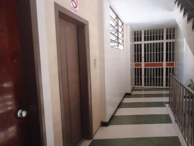 Oficina Distrito Metropolitano>Caracas>El Marques - Venta:9.238.000.000 Bolivares - codigo: 16-6020