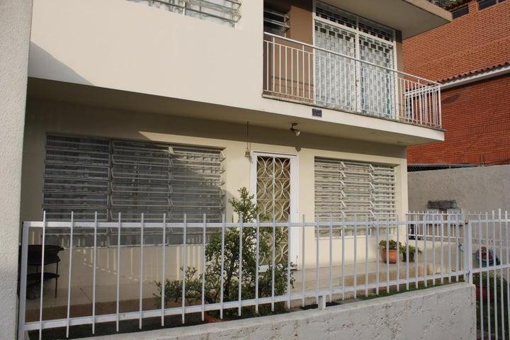 Casa Distrito Metropolitano>Caracas>La California Sur - Venta:22.559.000.000 Bolivares - codigo: 16-6027