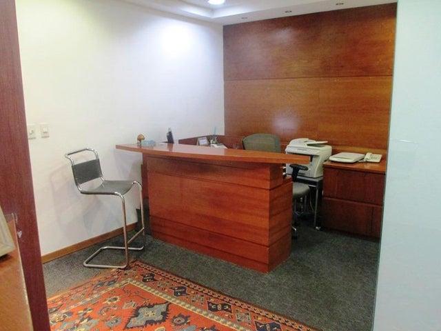 Oficina Distrito Metropolitano>Caracas>Prados del Este - Venta:32.307.000.000 Bolivares - codigo: 16-6055