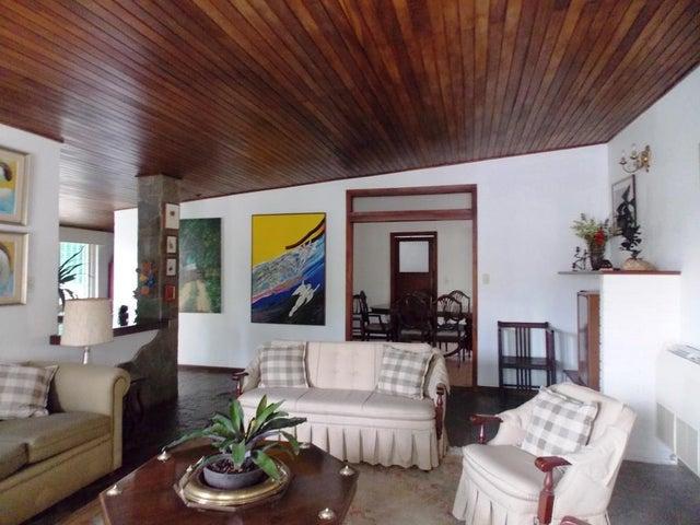 Casa Carabobo>Valencia>Altos de Guataparo - Venta:7.350.000.000 Bolivares - codigo: 16-6074