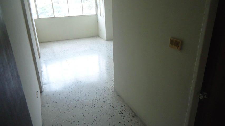 Apartamento Lara>Barquisimeto>Las Trinitarias - Venta:28.597.000.000 Precio Referencial - codigo: 16-6129