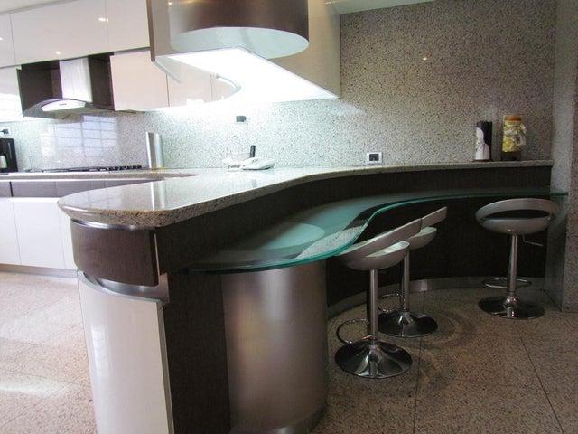 Apartamento Distrito Metropolitano>Caracas>Los Chorros - Venta:115.382.000.000 Bolivares Fuertes - codigo: 16-6144