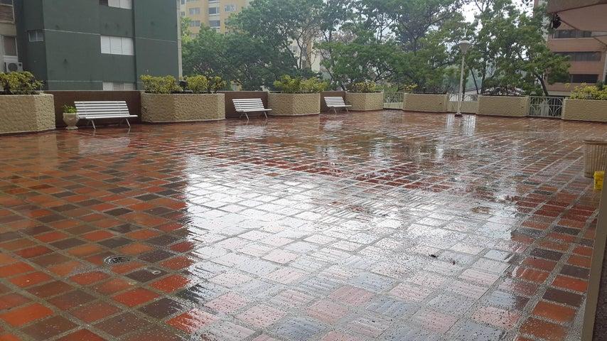 Apartamento Distrito Metropolitano>Caracas>Santa Paula - Venta:18.105.000.000 Bolivares Fuertes - codigo: 16-6170