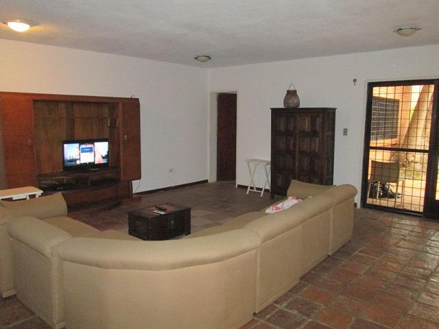 Townhouse Distrito Metropolitano>Caracas>Las Marias - Venta:141.096.000.000 Precio Referencial - codigo: 16-6222