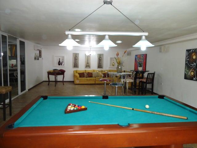 Casa Distrito Metropolitano>Caracas>El Marques - Venta:42.861.000.000 Bolivares - codigo: 16-6283