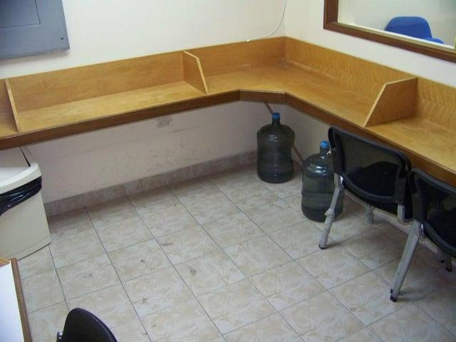 Consultorio Medico  Miranda>Guatire>Buenaventura - Venta:9.231.000.000 Bolivares - codigo: 16-6322