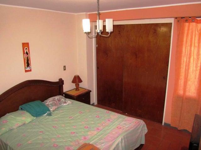 Apartamento Distrito Metropolitano>Caracas>Colinas de Los Ruices - Venta:169.000 US Dollar - codigo: 16-6381