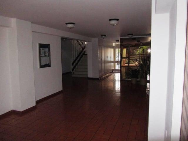 Apartamento Distrito Metropolitano>Caracas>Colinas de Los Ruices - Venta:108.388.000.000 Precio Referencial - codigo: 16-6381