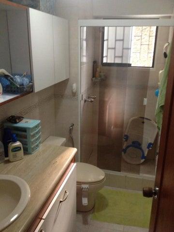 Apartamento Distrito Metropolitano>Caracas>Santa Paula - Venta:26.603.000.000 Bolivares Fuertes - codigo: 16-6414