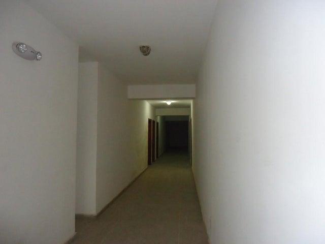 Apartamento Zulia>Maracaibo>Valle Frio - Venta:170.000  - codigo: 16-6428
