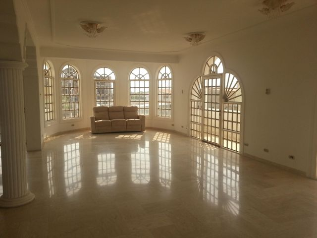Casa Zulia>Ciudad Ojeda>Bermudez - Venta:121.137.000.000 Precio Referencial - codigo: 16-6485