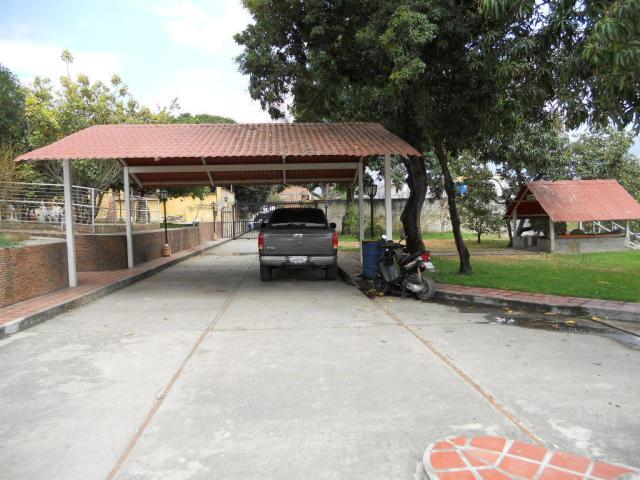 Casa Miranda>Guatire>Las Barrancas - Venta:20.303.000.000 Bolivares - codigo: 16-6499