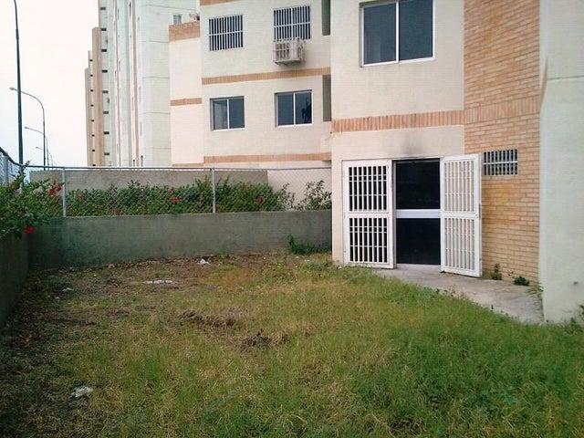 Apartamento Miranda>Guatire>Guatire - Venta:12.710.000.000 Precio Referencial - codigo: 16-5457