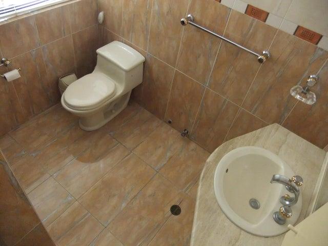 Casa Distrito Metropolitano>Caracas>Caurimare - Venta:380.773.000.000 Precio Referencial - codigo: 16-6460