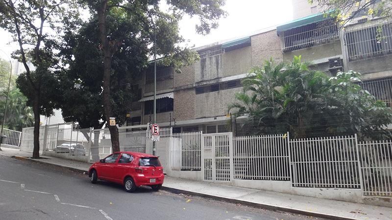 Apartamento Distrito Metropolitano>Caracas>El Rosal - Venta:17.625.000.000 Bolivares Fuertes - codigo: 16-6565