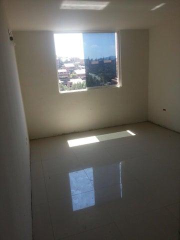 Apartamento Distrito Metropolitano>Caracas>Colinas de La Tahona - Venta:63.025.000.000 Precio Referencial - codigo: 16-6470