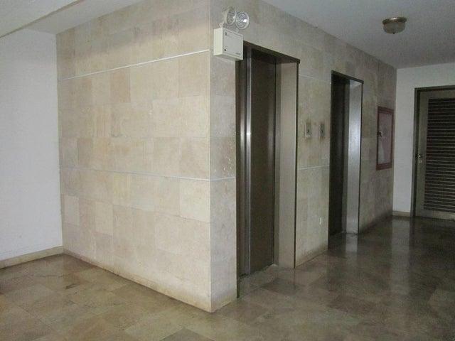 Apartamento Distrito Metropolitano>Caracas>Colinas de Bello Monte - Venta:70.548.000.000 Precio Referencial - codigo: 16-6492