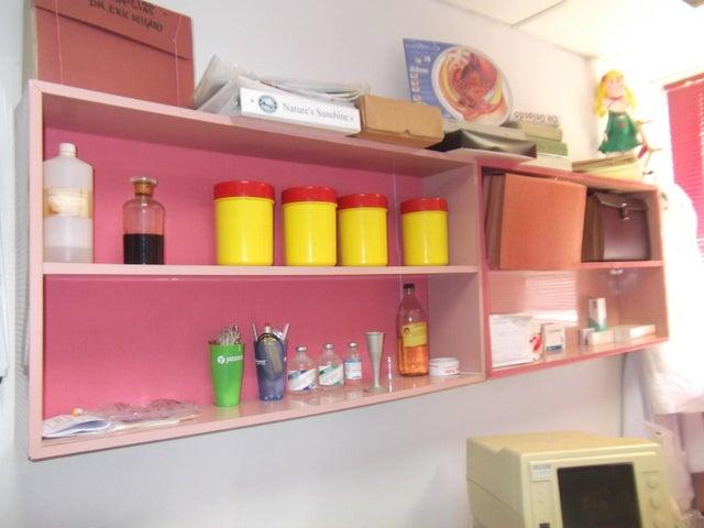 Consultorio Medico  Distrito Metropolitano>Caracas>San Bernardino - Alquiler:15.000 Bolivares - codigo: 16-6620