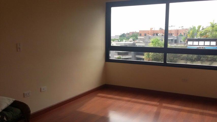 Apartamento Distrito Metropolitano>Caracas>Los Palos Grandes - Venta:606.594.000.000 Precio Referencial - codigo: 16-6576