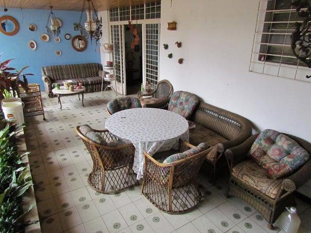 Casa Distrito Metropolitano>Caracas>El Marques - Venta:34.909.000.000 Bolivares - codigo: 16-6618