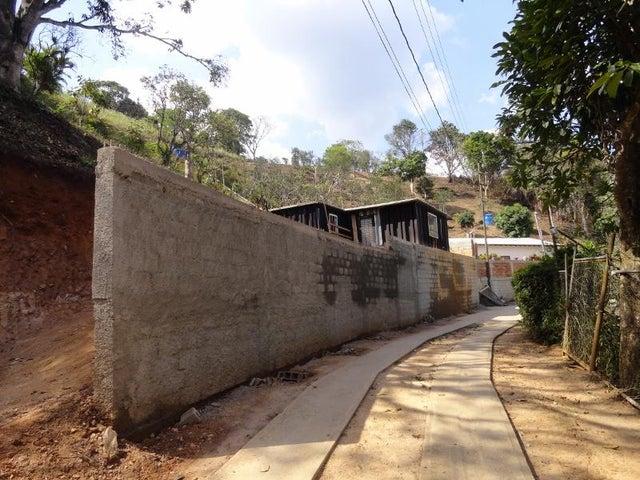 Casa Distrito Metropolitano>Caracas>Sabaneta - Venta:5.108.000.000 Precio Referencial - codigo: 16-6647