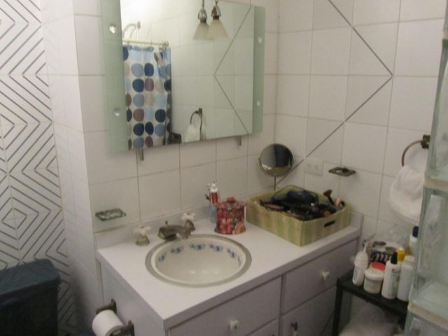 Apartamento Distrito Metropolitano>Caracas>San Luis - Venta:44.894.000.000 Precio Referencial - codigo: 16-6653