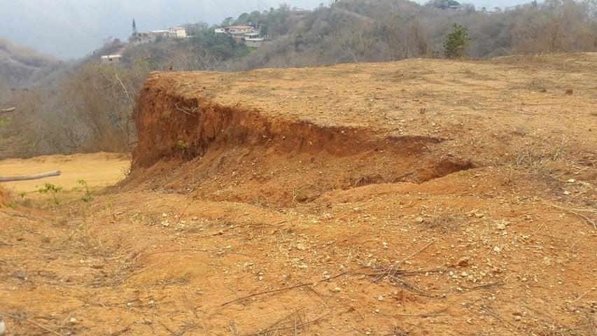 Terreno Distrito Metropolitano>Caracas>Caicaguana - Venta:3.055.000.000 Bolivares - codigo: 16-6701