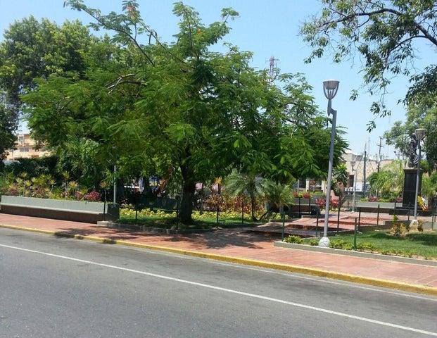 Local Comercial Zulia>Ciudad Ojeda>Centro - Venta:4.615.000.000 Bolivares - codigo: 16-6711