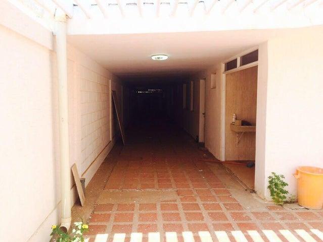 Casa Zulia>Municipio San Francisco>La Coromoto - Venta:90.000 US Dollar - codigo: 16-6707