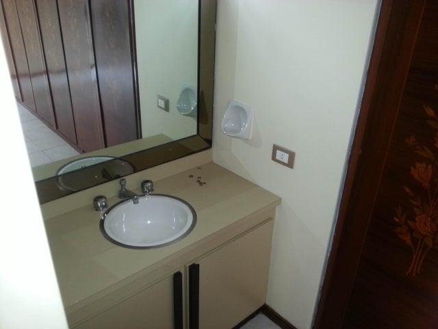 Apartamento Distrito Metropolitano>Caracas>Los Palos Grandes - Venta:400.000 US Dollar - codigo: 16-6816