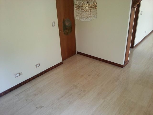 Apartamento Distrito Metropolitano>Caracas>Los Palos Grandes - Venta:304.618.000.000 Precio Referencial - codigo: 16-6816