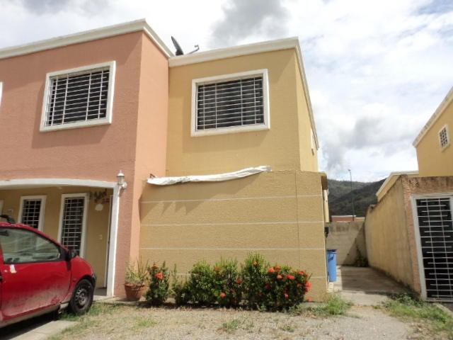 Casa Miranda>Guatire>Villa Heroica - Venta:6.768.000.000 Bolivares - codigo: 16-6782