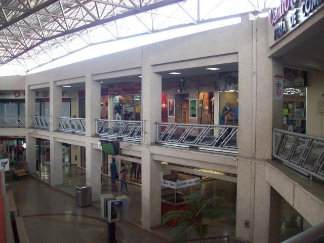 Local Comercial Zulia>Maracaibo>Las Delicias - Venta:20.000.000 Bolivares - codigo: 16-6833