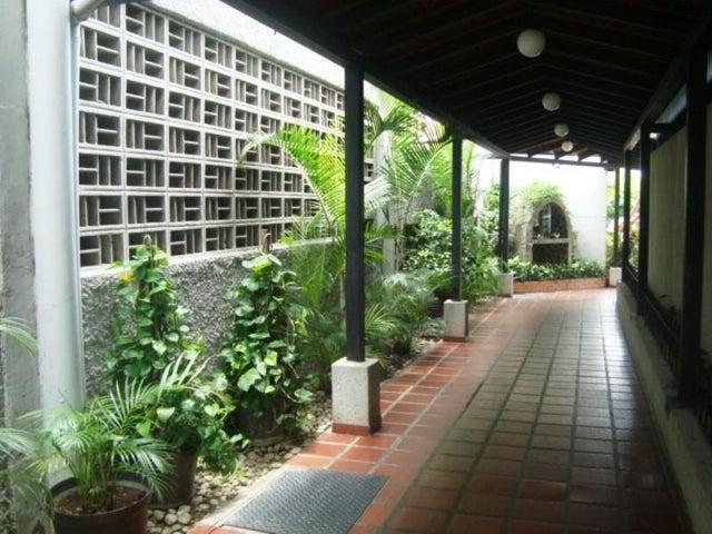 Apartamento Distrito Metropolitano>Caracas>Municipio Baruta - Venta:27.578.000.000 Precio Referencial - codigo: 16-7036