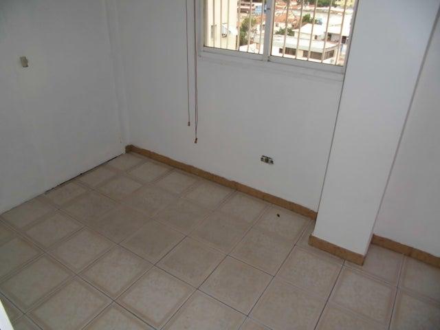 Apartamento Distrito Metropolitano>Caracas>El Paraiso - Venta:45.804.000.000 Precio Referencial - codigo: 16-6896