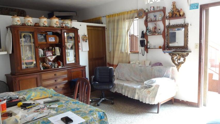 Casa Vargas>Catia La Mar>Las Tunitas - Venta:10.184.000.000 Bolivares - codigo: 16-7259
