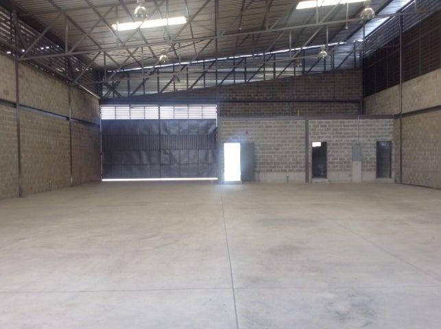 Galpon - Deposito Carabobo>Valencia>Zona Industrial - Venta:299.489.000.000 Precio Referencial - codigo: 16-7010