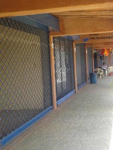 Local Comercial Miranda>Higuerote>Monte Lindo - Venta:3.151.000.000 Precio Referencial - codigo: 16-7172