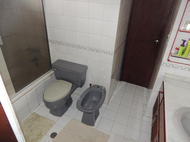 Casa Distrito Metropolitano>Caracas>Prados del Este - Venta:141.002.000.000 Bolivares - codigo: 16-7193