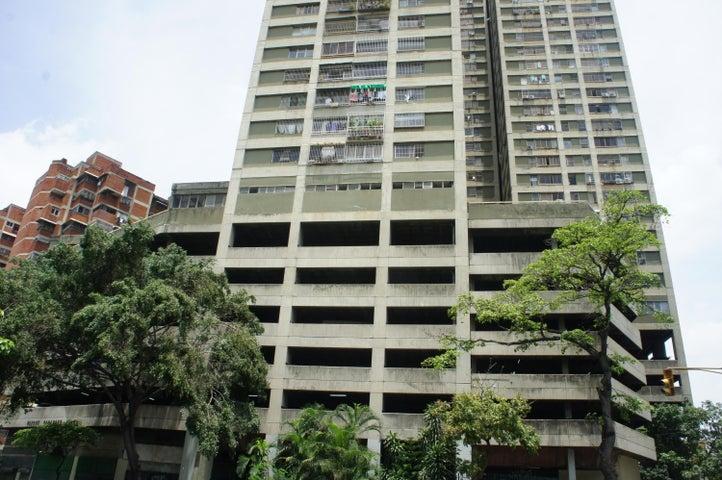 Apartamento Distrito Metropolitano>Caracas>Parque Carabobo - Venta:85.588.000.000 Precio Referencial - codigo: 16-7207
