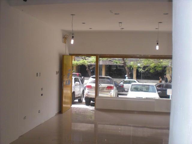 Local Comercial Distrito Metropolitano>Caracas>Altamira - Venta:16.000.000.000 Bolivares - codigo: 16-7227